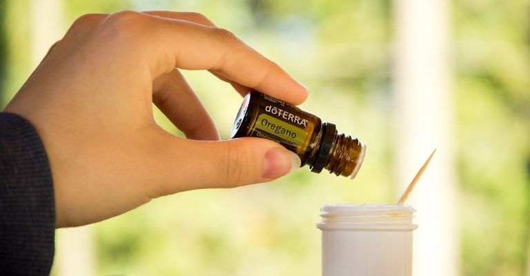 óleo essencial de orégano