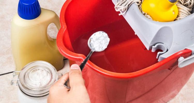 limpar piso com bicarbonato de sódio