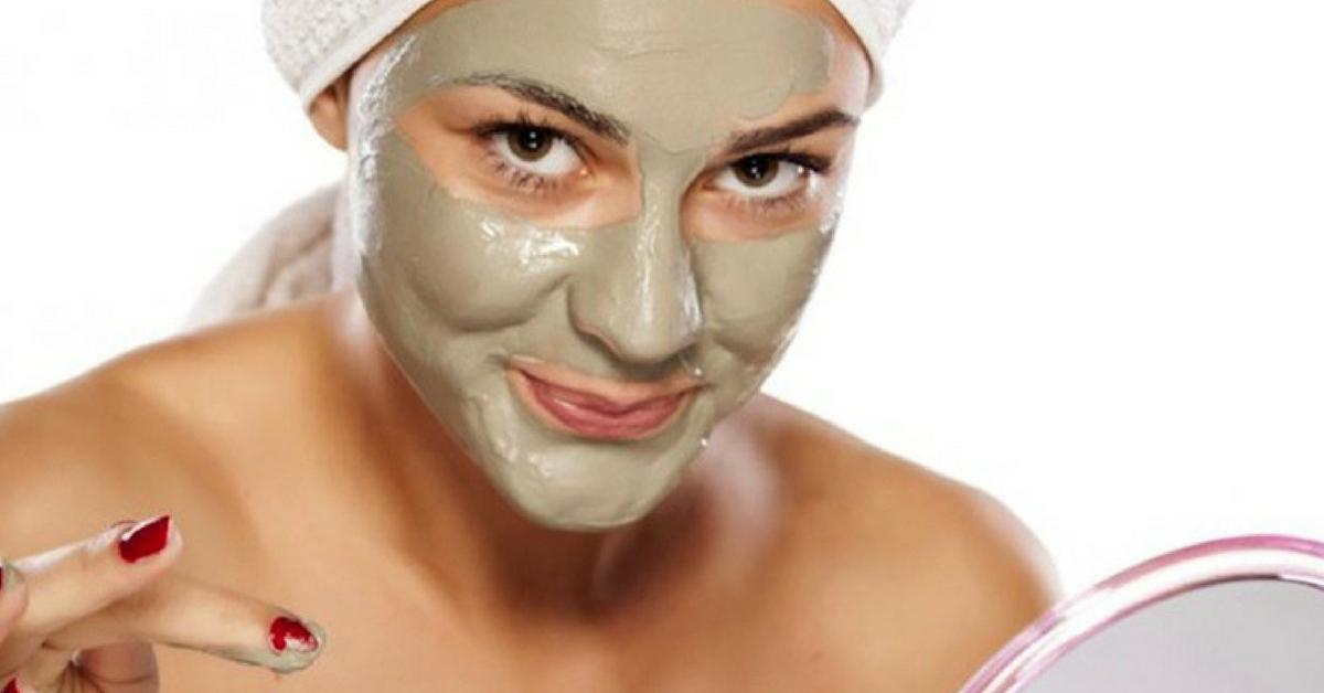 óleo de melaleuca no hidratante facial