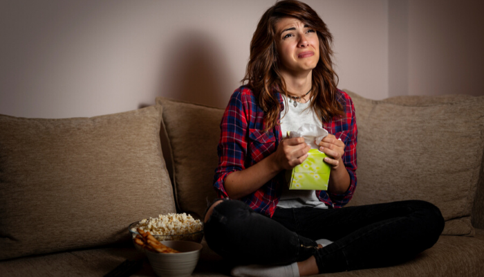 chorar vendo filme
